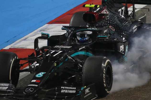 8 - Valtteri Bottas (Mercedes) - 3.80: Muito mal de novo.