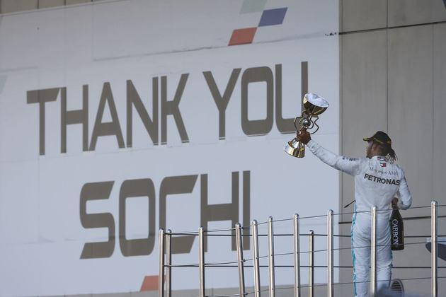 82 - Em Sóchi, Lewis Hamilton venceu o GP da Rússia de 2019 contando com azares da Ferrari