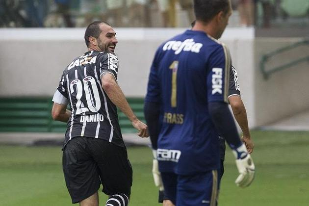8/2/2015 - Palmeiras 0 x 1 Corinthians - Allianz Parque - Fase de Grupos Paulistão-2015: Primeiro Dérbi no Allianz, Danilo marcou o gol da vitória e o Timão segurou o resultado com um a menos durante quase todo o segundo tempo, quando Cássio foi expulso.