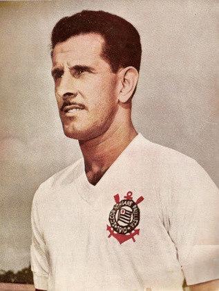 9 º Olavo - 507 jogos - Natural de Santos, o zagueiro passou pelo Peixe e Portuguesa Santista, antes de chegar ao Corinthians, em 1952, permanecendo até 1961.