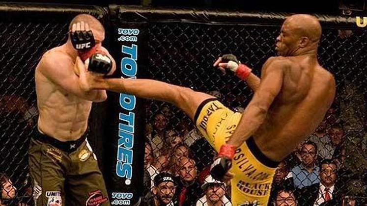 9ª. Anderson Silva x Nate Marquardt (UFC 73) - Em julho de 2007, Anderson teve sua segunda defesa de cinturão e não decepcionou. Diante do forte candidato Marquardt, o Spider venceu por nocaute técnico ainda no primeiro round