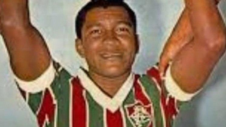 9 - Assis (1968 - 1975) - 412 jogos com a camisa do Fluminense.