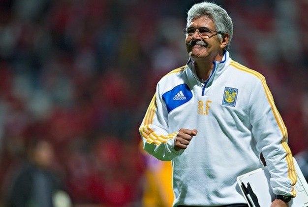 9º - Brasil - 16 treinadores.