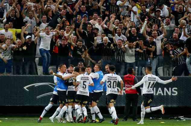 9) Corinthians 2 x 1 Flamengo - Semifinal da Copa do Brasil de 2018: 44.249 pagantes.