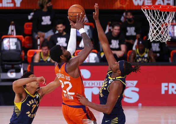 9- Deandre Ayton (Phoenix Suns): 22 pontos, dez rebotes, quatro bloqueios. O pivô liderou o Suns ao quarto triunfo seguido na bolha. A equipe do Arizona ainda sonha com a classificação e precisa seguir vencendo para tentar chegar ao play-in. No momento, o Suns é o décimo da conferência Oeste, dois jogos atrás do Memphis Grizzlies, o oitavo