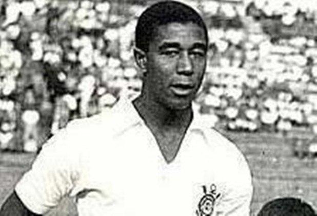 9º - Flávio Minuano - 172 gols: Atacante foi revelado pelo Internacional na década de 60 e chegou ao Corinthians em 1965, aos 21 anos. O ex-centroavante marcou os mesmos 172 gols de Sócrates, mas em menos partidas: 228..