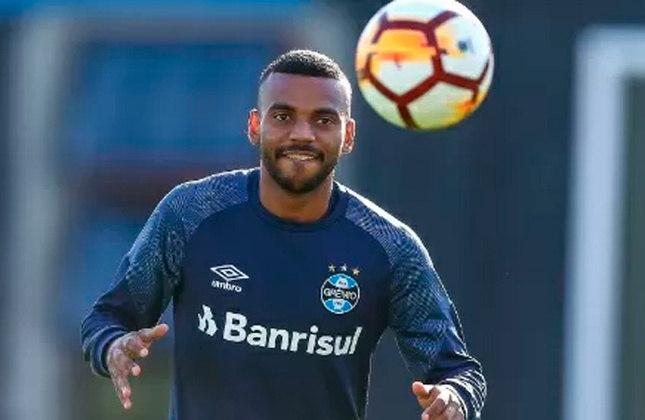 9º - Léo Gomes - Posição: Lateral-direito - Clube: Grêmio - Idade: 25 anos - Valor de mercado segundo o Transfermarkt: 1,5 milhões de euros (aproximadamente R$ 9,29 milhões) - Contrato até: 31/12/2021