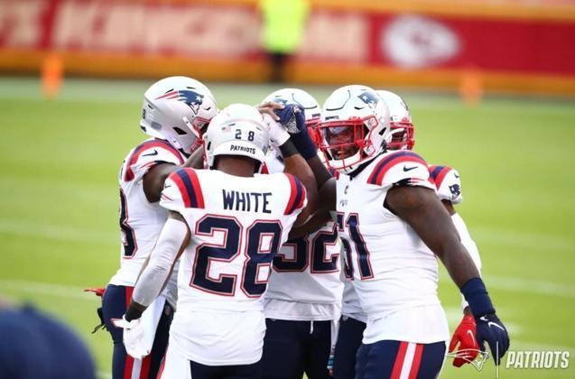 9° New England Patriots: Com um roster que ninguém botava muita fé, os Pats estão fazendo barulho na NFL. Bill Belichick merece apalusos mais uma vez.