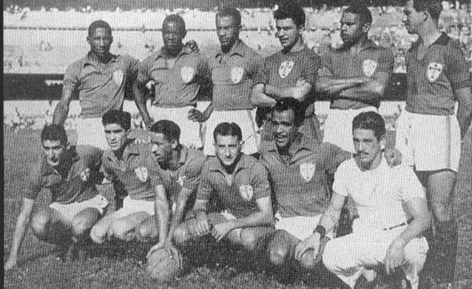 9º - Portuguesa - 1 título - Em 1952, a Portuguesa de Pinga, Djalma Santos e Nininho ficou com o título de campeão do Rio-São Paulo ao empatar com o Vasco em 1 a 1 (havia vencido o 1º jogo em São Paulo por 4 a 2)