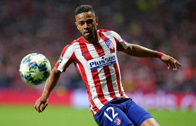 9 - Renan Lodi, ex-Athletico-PR, foi vendido ao Atlético de Madrid por 20,6 milhões de euros no ano de 2019.
