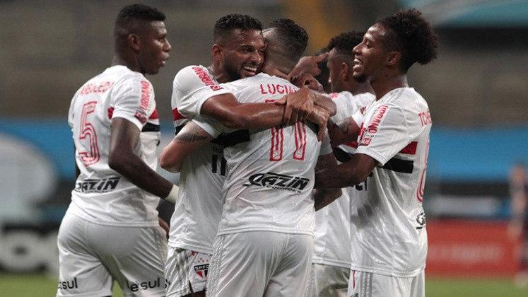 9º – SÃO PAULO: 25 pontos em 16 jogos. Sete vitórias, quatro empates e cinco derrota. Vinte e quatro gols marcados e vinte e três sofridos. 52.08% de aproveitamento.