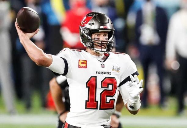 9º - Tom Brady (Futebol Americano): receita em 2020 - 76 milhões de dólares (aproximadamente R$ 389,34 milhões)