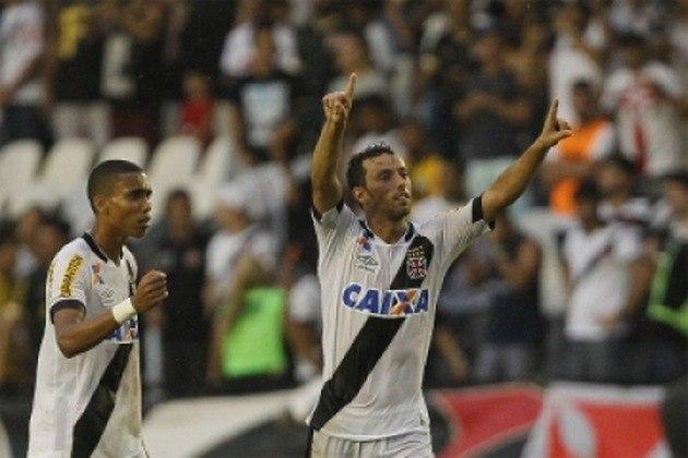 9º - Vasco 1x0 Santos - Brasileirão 2015 - Em São Januário, Nenê marcou o gol da vitória, de pênalti, na penúltima rodada da competição, deixando o time vivo. No fim, o Cruz-maltino acabou sendo rebaixado pela terceira vez em sua história
