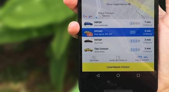 Covas determinou mudanças para empresas de transporte por aplicativo em SP