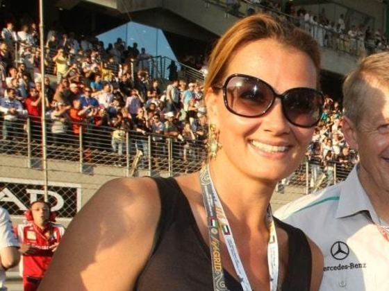 A alemã Franziska van Almsick conquistou dez medalhas olímpicas. Porém, a nadadora não levou nenhum ouro - foram quatro pratas e seis bronzes. Essa marca a torna a maior atleta olímpica - entre homens e mulheres - sem ter uma primeira colocação. Ela disputou quatro edições - entre Barcelona 1992 e Atenas 2004