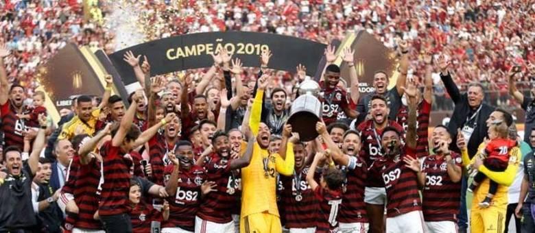 Jogadores do Flamengo comemorando o último título da Libertadores