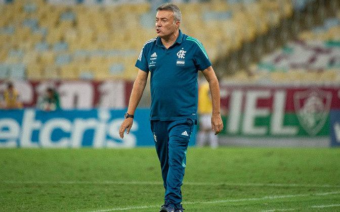 A aposta do Flamengo para substituir o Mister foi Domènec Torrent, mas a passagem do espanhol foi breve: 23 jogos, entre agosto e novembro, nos quais o time não mostrou assimilar as ideias do técnico.