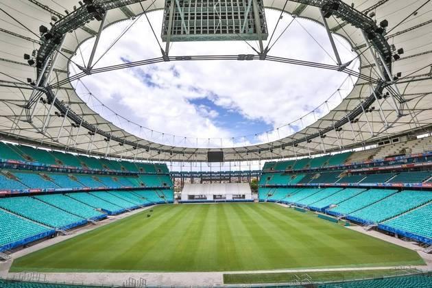 A Arena Fonte Nova, localizada em Salvador e casa do bahia, foi reconstruída no mesmo local do antigo estádio Octavio Mangabeira. São sete anos desse novo espaço, que já recebeu Copa do Mundo e das Confederações. Anteriormente, o antigo espaço foi inaugurado em 1951, portanto, 69 anos atrás.