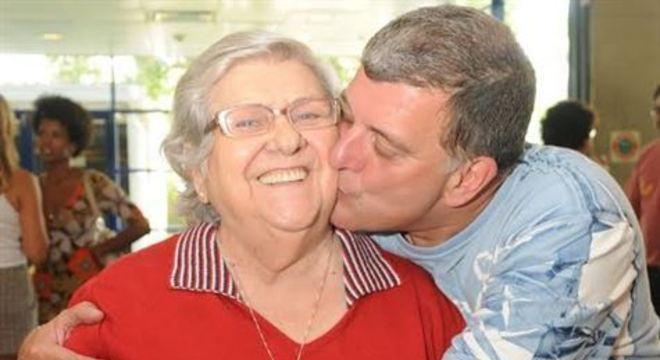 A artista de 95 anos estava estava internada há uma semana no Hospital Pró-Cardíaco, no Rio de Janeiro, por conta de uma infecção respiratória