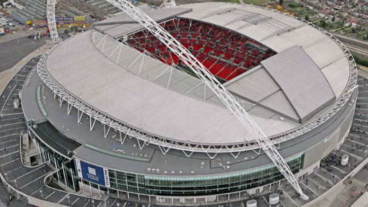 A Associação de Futebol da Inglaterra (FA) ofereceu o Wembley e o St. George's Park, o Centro de Treinamento da seleção inglesa, para ajudar a Premier League a completar a temporada de 2019/2020, segundo informado pelo jornal The Times.