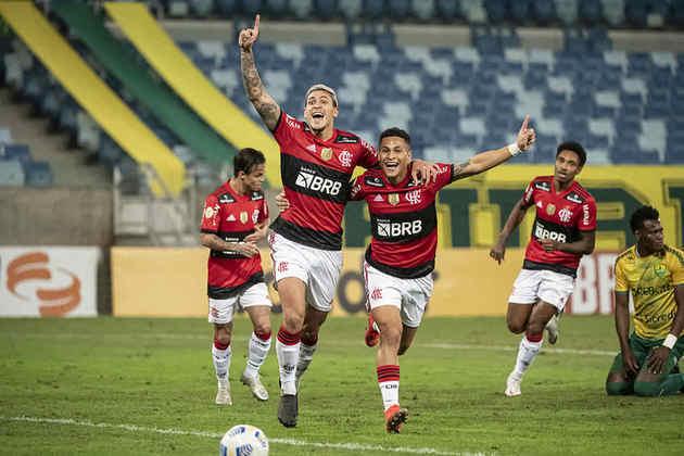 A atuação não foi das melhores, mas foi suficiente para garantir os três pontos. Com gols de Pedro e Thiago Maia, o Flamengo venceu o Cuiabá por 2 a 0 e subiu para a sexta posição no Campeonato Brasileiro. Veja as notas! (Por Lucas Pessôa - lucaspessoa@lancenet.com.br)