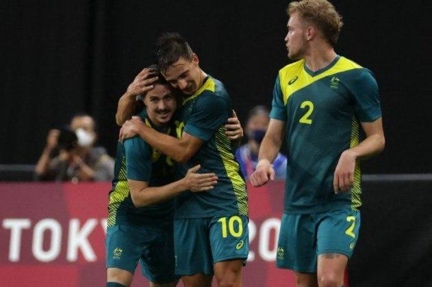A Austrália surpreendeu na estreia e venceu a Argentina por 2 a 0. Walles e Tilio marcaram para os australianos, que ainda jogaram com um a mais após a expulsão do argentino Ortega, no primeiro tempo.