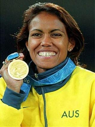 A australiana Cathy Freeman venceu o Prêmio Laureus na edição de 2001. A atleta conquistou duas medalhas olímpicas na prova de 400 metros - a prata nos Jogos de Atlanta 96 e o ouro em Sydney, no seu pais-natal