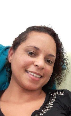 A bibliotecária Letícia dos Santos Nascimento está na fila do transplante de rim