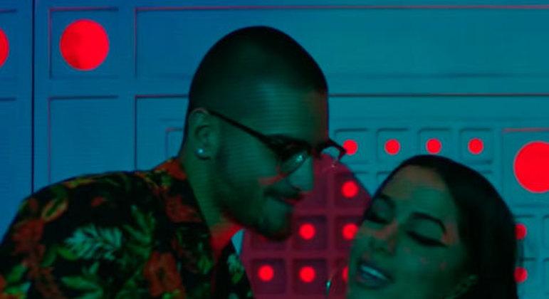 A brasileira e o colombiano lançaram juntos a canção de sucesso