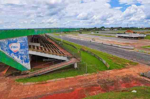 A Brasília Indy 300, que marcaria a volta da categoria ao Brasil após um ano de ausência, foi cancelada. Nunca mais uma corrida em Brasília foi cogitada