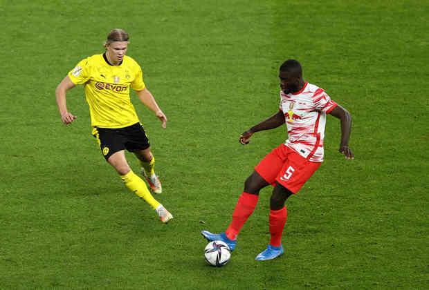 A briga por vaga na Champions League também já está definida. Além do campeão Bayern, o RB Leipzig, que não poderá mais ser alcançado na segunda posição, se junta a Borussia Dortmund e Wolfsburg. Os dois últimos apenas definem quem ficará com a terceira colocação.
