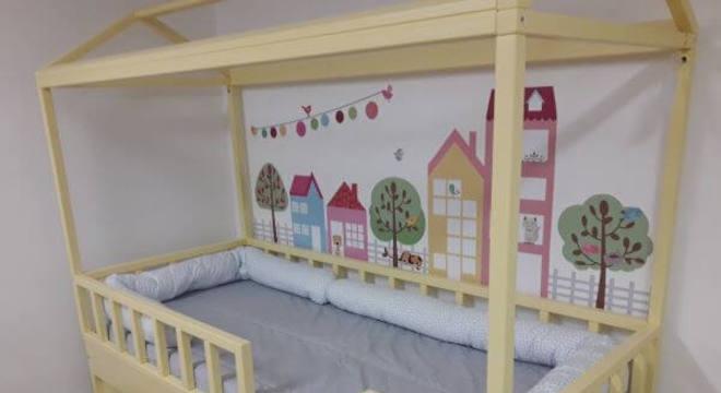 A cama casinha pode contar com uma linda decoração