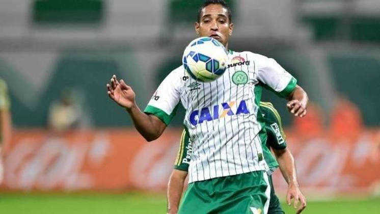 A camisa 88 do Avaí não é mais utilizada desde 2016, quando Cléber Santana, então jogador da Chapecoense, faleceu na tragédia aérea do clube. Ele jogou no Leão em três temporadas (2012, 2013 e 2014)