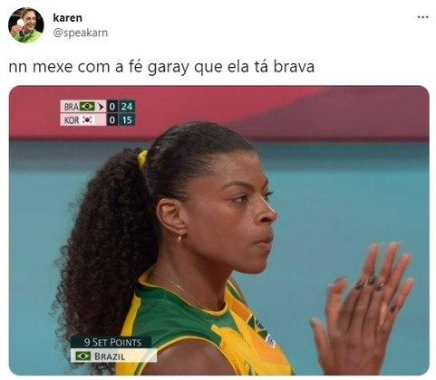 A cara de má de Fernanda Garay fez sucesso na web. A atleta do vôlei feminino ganhou memes e figurinhas para WhatsApp.
