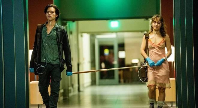No filme A Cinco Passos de Você, casal adolescente tem que manter distância de pelo menos 1,5m