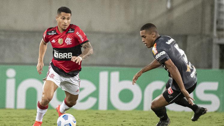 A classificação já estava garantida, mas o Flamengo fez questão de aumentar a sequência de vitórias. Com um time alternativo, a equipe derrotou o ABC por 1 a 0 e avançou às quartas de final da Copa do Brasil. (Por Lucas Pessôa - lucaspessoa@lancenet.com.br)
