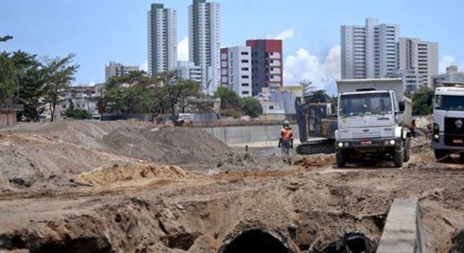A Companhia Estadual de Habitação e Obras (Cehab) informou que a primeira etapa das obras no Canal do Fragoso será concluída até o fim de março