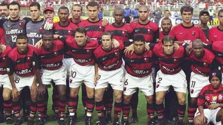 A conquista do tricampeonato carioca pelo Flamengo em 2001, com o gol de Petkovic aos 43 minutos do segundo, completa 20 anos nesta quinta-feira, dia 27 de maio. O LANCE! relembra os principais nomes daquela conquista que entrou para a história do Rubro-Negro como uma das mais emocionantes!