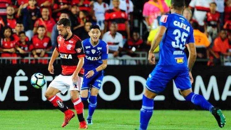 A Copa do Brasil de 2017 foi decidida entre Flamengo e Cruzeiro. Na ida, empate por 1 a 1 no Maracanã. Na volta, disputada no Mineirão, a nova igualdade, desta vez por 0 a 0, resultou nas penalidades. Nos pênaltis, vitória da Raposa por 5 a 3.