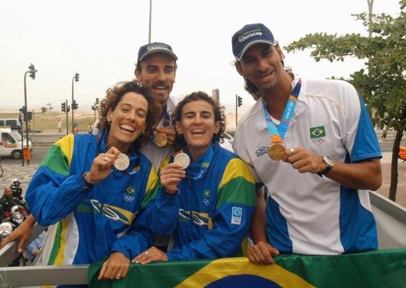 A dupla Adriana Behar e Shelda foi novamente medalha de prata no vôlei de praia feminino em 2004, na Grécia. Em Atenas, elas acabaram perdendo a final para as americanas Walsh e May.