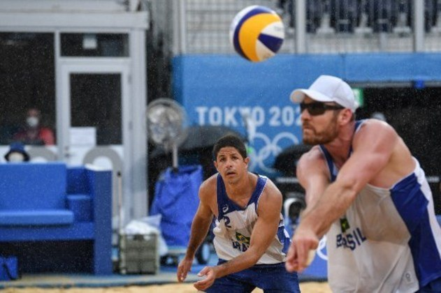 A dupla Alison e Álvaro chegou à Olimpíada de Tóquio com chances de medalha no vôlei de praia e pode ir longe na competição, principalmente por conta da habilidade de Alison, que já conquistou o ouro em 2016, no Rio de Janeiro.