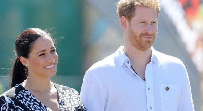 A duquesa Meghan Markle e o príncipe Harry começaram a tour pela África