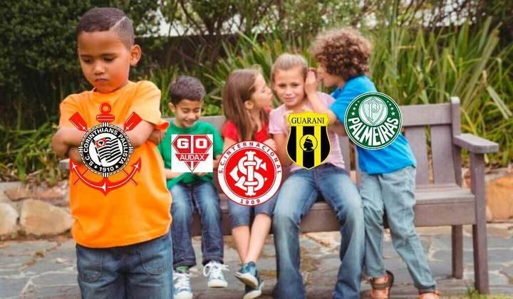 A eliminação do Corinthians para o Palmeiras nas semifinais do Campeonato Paulista é mais uma de uma série de nove frustrações em mata-matas dentro da Neo Química Arena desde a inauguração. Relembre na galeria como foram as anteriores! (Por Humor Esportivo)