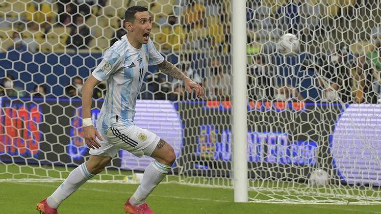 A espera chegou ao fim! Após 28 anos, a Argentina é novamente campeã da Copa América. Com gol de Di Maria, os argentinos venceram o Brasil por 1 a 0, no Maracanã. Confira as notas do LANCE!. (Por Rodrigo da Costa - futinter@lancenet.com.br)