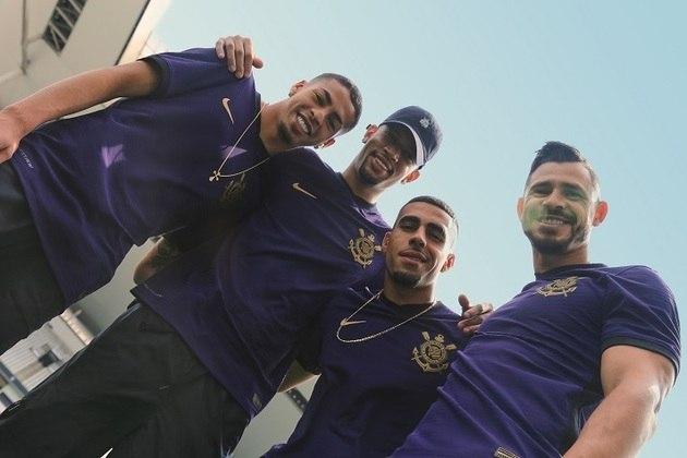 A estreia da nova camisa pelo time masculino será contra o Bahia, no dia 5 de outubro, em jogo que deverá marcar a volta do torcedor para a Neo Química Arena.
