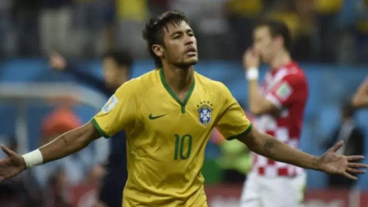A estreia da Seleção Brasileira na Copa de 2014 - O Brasil voltou a ser sede da Copa do Mundo. Cercada de expectativa, a estreia da Seleção Brasileira foi contra a Croácia, em São Paulo, na Arena Corinthians. De virada, a Seleção venceu por 3 a 1, com dois gols de Neymar e um de Oscar.