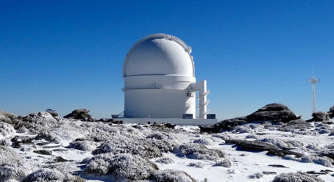 A estrela foi descoberta usando o observatório Calar Alto, na Espanha