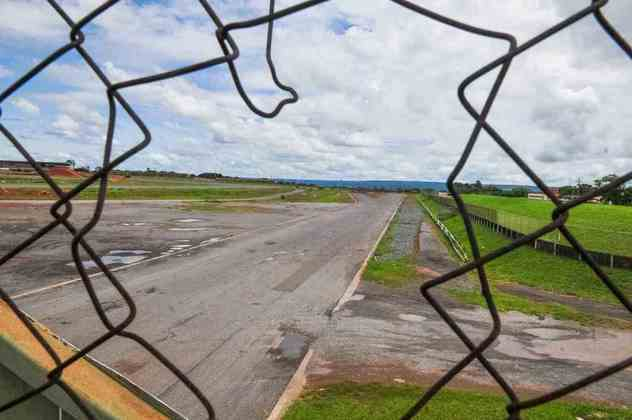 A falta de andamento das obras fez com que a etapa da Indy, programada para 2015, foi cancelada unilateralmente pelo governo do Distrito Federal