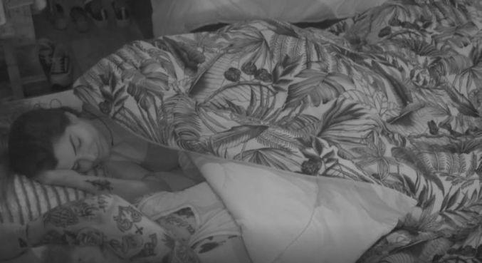 Marina e Gui Araujo dividiram a cama após a Festa Cassino