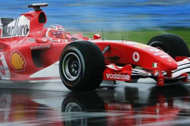 A Ferrari começou a temporada 2005 com o F2004M, uma atualização do carro vencedor do ano anterior. Foram, no entanto, apenas duas etapas com o modelo
